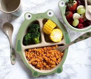 Rice husk is the innovative eco material of Nuby's 100% compostable tableware. It's planet friendly and super cute.